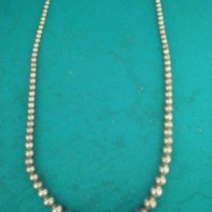 Jewelry - Vintage String of Pearls